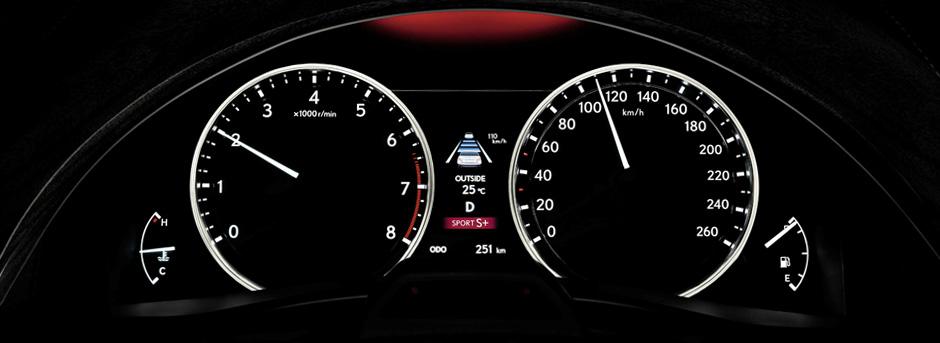 точные аналоговые часы со светодиодной подсветкой Lexus GS 250